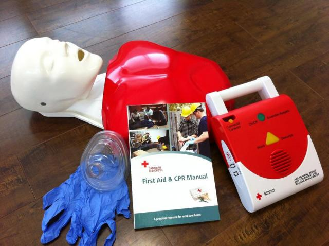 First-Aid-and-CPR-Training%5B1%5D.jpg
